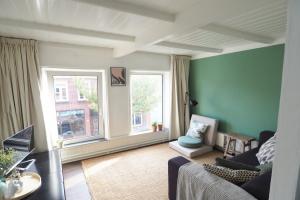 Bekijk appartement te huur in Utrecht Jasmijnstraat, € 1100, 32m2 - 369941. Geïnteresseerd? Bekijk dan deze appartement en laat een bericht achter!