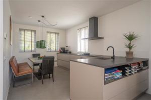 Bekijk woning te huur in Huissen Limes, € 1500, 160m2 - 391220. Geïnteresseerd? Bekijk dan deze woning en laat een bericht achter!