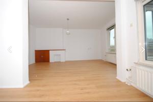 Bekijk appartement te huur in Rijswijk Zh Sir Winston Churchillln, € 920, 70m2 - 380208. Geïnteresseerd? Bekijk dan deze appartement en laat een bericht achter!
