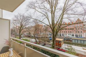 Bekijk appartement te huur in Amsterdam D. Wittenkade, € 1890, 84m2 - 366202. Geïnteresseerd? Bekijk dan deze appartement en laat een bericht achter!