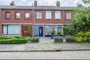 Bekijk woning te huur in Roosendaal Lijsterbeslaan, € 875, 123m2 - 331981. Geïnteresseerd? Bekijk dan deze woning en laat een bericht achter!