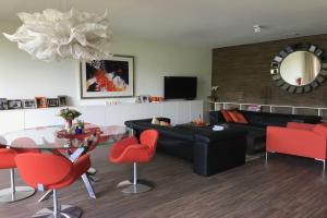 Bekijk appartement te huur in Maastricht Stellalunet, € 2750, 116m2 - 374213. Geïnteresseerd? Bekijk dan deze appartement en laat een bericht achter!