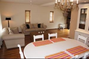 Bekijk appartement te huur in Den Bosch Oude Engelenseweg, € 995, 106m2 - 289683. Geïnteresseerd? Bekijk dan deze appartement en laat een bericht achter!