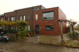 View house for rent in Groningen Joeswerd, € 1450, 90m2 - 355987. Interested? check out this house and leave a message!