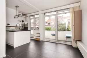 Te huur: Appartement Slijkeinde, Den Haag - 1