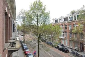 Bekijk appartement te huur in Amsterdam Willemsparkweg, € 3250, 155m2 - 365210. Geïnteresseerd? Bekijk dan deze appartement en laat een bericht achter!
