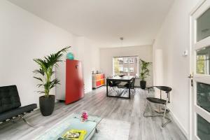 Bekijk appartement te huur in Utrecht P.C. Borstraat, € 1750, 93m2 - 370968. Geïnteresseerd? Bekijk dan deze appartement en laat een bericht achter!