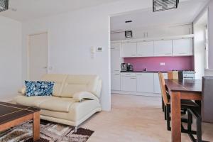 Bekijk appartement te huur in Utrecht Croesestraat, € 1300, 55m2 - 374230. Geïnteresseerd? Bekijk dan deze appartement en laat een bericht achter!