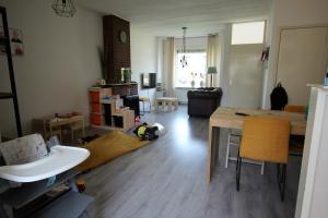 Bekijk woning te huur in Almelo Violierstraat, € 720, 85m2 - 370748. Geïnteresseerd? Bekijk dan deze woning en laat een bericht achter!