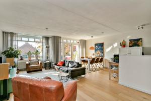 Bekijk appartement te huur in Den Bosch Javastraat, € 1195, 90m2 - 380781. Geïnteresseerd? Bekijk dan deze appartement en laat een bericht achter!