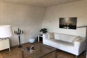Bekijk appartement te huur in Den Haag Obrechtstraat, € 715, 40m2 - 346984. Geïnteresseerd? Bekijk dan deze appartement en laat een bericht achter!