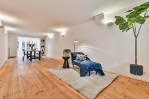 Bekijk appartement te huur in Amsterdam Frans van Mierisstraat, € 1750, 70m2 - 395521. Geïnteresseerd? Bekijk dan deze appartement en laat een bericht achter!