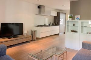 Bekijk appartement te huur in Amsterdam Kinkerstraat, € 1500, 55m2 - 390715. Geïnteresseerd? Bekijk dan deze appartement en laat een bericht achter!