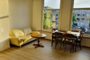Bekijk appartement te huur in Leiden Oude Herengracht, € 1300, 50m2 - 380502. Geïnteresseerd? Bekijk dan deze appartement en laat een bericht achter!