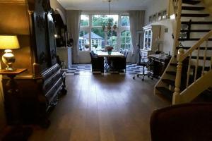 Bekijk woning te huur in Rijswijk Zh Regentesselaan, € 975, 110m2 - 382296. Geïnteresseerd? Bekijk dan deze woning en laat een bericht achter!