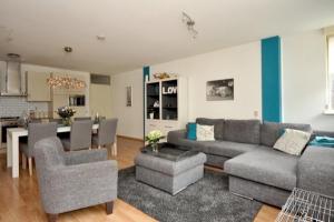 Bekijk appartement te huur in Utrecht Amsterdamsestraatweg, € 1299, 76m2 - 371648. Geïnteresseerd? Bekijk dan deze appartement en laat een bericht achter!