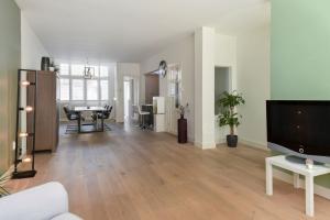 Bekijk appartement te huur in Den Haag Edisonstraat, € 1650, 96m2 - 377979. Geïnteresseerd? Bekijk dan deze appartement en laat een bericht achter!