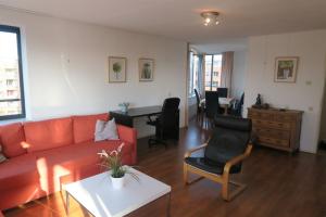 Bekijk appartement te huur in Utrecht Henriette Roland Holststraat, € 1475, 105m2 - 394516. Geïnteresseerd? Bekijk dan deze appartement en laat een bericht achter!