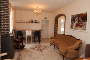 View house for rent in Roermond Spik, € 1750, 250m2 - 383660. Interested? check out this house and leave a message!