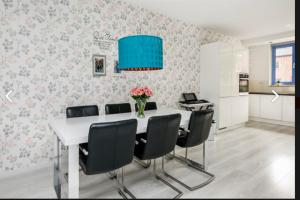Bekijk woning te huur in Arnhem Staatsspoor, € 1560, 131m2 - 382201. Geïnteresseerd? Bekijk dan deze woning en laat een bericht achter!