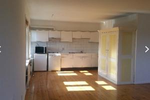 Bekijk appartement te huur in Den Bosch Graaf van Solmsweg, € 950, 130m2 - 383807. Geïnteresseerd? Bekijk dan deze appartement en laat een bericht achter!