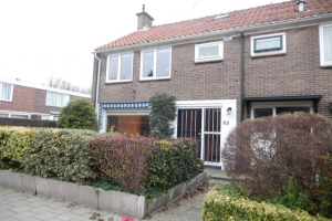 View house for rent in Voorburg Paradijsstraat, € 1750, 120m2 - 372096. Interested? check out this house and leave a message!