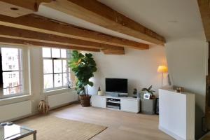Bekijk appartement te huur in Amsterdam Singel, € 2800, 100m2 - 366034. Geïnteresseerd? Bekijk dan deze appartement en laat een bericht achter!