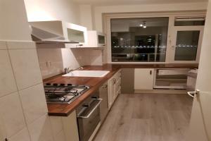 Bekijk appartement te huur in Amsterdam Burgemeester Cramergracht, € 1550, 75m2 - 394132. Geïnteresseerd? Bekijk dan deze appartement en laat een bericht achter!