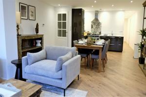 Bekijk appartement te huur in Den Haag Bezuidenhoutseweg, € 2050, 85m2 - 394032. Geïnteresseerd? Bekijk dan deze appartement en laat een bericht achter!