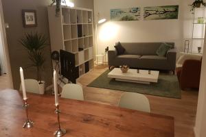 Bekijk appartement te huur in Amsterdam Eastonstraat, € 1650, 85m2 - 377289. Geïnteresseerd? Bekijk dan deze appartement en laat een bericht achter!