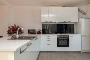Bekijk appartement te huur in Rotterdam Pleinweg, € 1300, 92m2 - 362184. Geïnteresseerd? Bekijk dan deze appartement en laat een bericht achter!