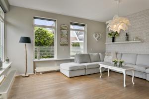 Bekijk woning te huur in Roden Rusthoven, € 1280, 132m2 - 382482. Geïnteresseerd? Bekijk dan deze woning en laat een bericht achter!