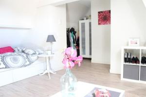 Bekijk kamer te huur in Rotterdam Bergpolderplein, € 495, 22m2 - 395406. Geïnteresseerd? Bekijk dan deze kamer en laat een bericht achter!