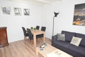 Bekijk appartement te huur in Beverwijk Bullerlaan, € 1050, 105m2 - 374856. Geïnteresseerd? Bekijk dan deze appartement en laat een bericht achter!