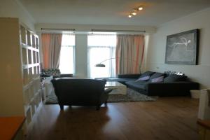 Bekijk appartement te huur in Amsterdam Van Oldenbarneveldtstraat, € 1995, 85m2 - 370927. Geïnteresseerd? Bekijk dan deze appartement en laat een bericht achter!