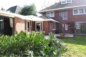 Bekijk woning te huur in Hilversum Laapersweg, € 3995, 225m2 - 356661. Geïnteresseerd? Bekijk dan deze woning en laat een bericht achter!