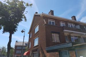 Bekijk kamer te huur in Den Haag De Genestetlaan, € 595, 16m2 - 394290. Geïnteresseerd? Bekijk dan deze kamer en laat een bericht achter!