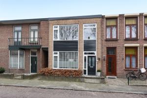 Te huur: Woning Valkenierslaan, Breda - 1