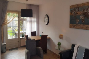 View house for rent in Oldenzaal Reigerstraat, € 900, 86m2 - 380592. Interested? check out this house and leave a message!