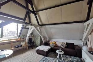 Bekijk kamer te huur in Den Bosch Vughterstraat, € 700, 45m2 - 395827. Geïnteresseerd? Bekijk dan deze kamer en laat een bericht achter!