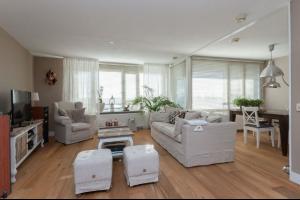 Bekijk appartement te huur in Barendrecht Iepenwede, € 1150, 80m2 - 280447. Geïnteresseerd? Bekijk dan deze appartement en laat een bericht achter!