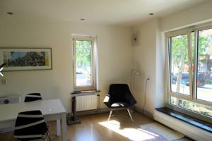 Bekijk appartement te huur in Den Bosch Aartshertogenlaan, € 1150, 65m2 - 384175. Geïnteresseerd? Bekijk dan deze appartement en laat een bericht achter!