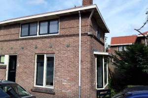 View house for rent in Dordrecht Poelwijckstraat, € 183, 63m2 - 370680. Interested? check out this house and leave a message!