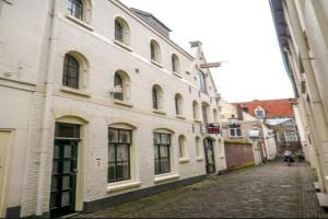 Bekijk kamer te huur in Deventer Sandrasteeg, € 375, 30m2 - 365363. Geïnteresseerd? Bekijk dan deze kamer en laat een bericht achter!