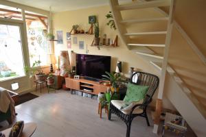 Bekijk appartement te huur in Delft Montgomerylaan, € 1275, 99m2 - 360222. Geïnteresseerd? Bekijk dan deze appartement en laat een bericht achter!