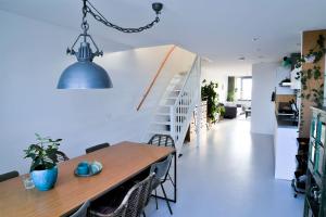 Bekijk appartement te huur in Amsterdam Nieuwpoortstraat, € 1900, 75m2 - 379901. Geïnteresseerd? Bekijk dan deze appartement en laat een bericht achter!