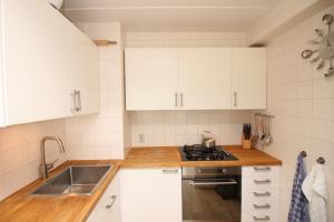 Bekijk appartement te huur in Amsterdam B. Hogguerstraat: 1 Slaapkamer appartement - € 1200, 45m2 - 355144