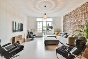 Bekijk appartement te huur in Amsterdam Zeeburgerkade, € 2250, 109m2 - 323700. Geïnteresseerd? Bekijk dan deze appartement en laat een bericht achter!