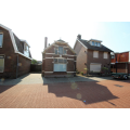 View house for rent in Hengelo Ov Haverweg, € 1495, 145m2 - 380926. Interested? check out this house and leave a message!