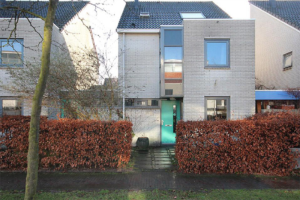 View house for rent in Breda Steppevlinder, € 1650, 160m2 - 350511. Interested? check out this house and leave a message!